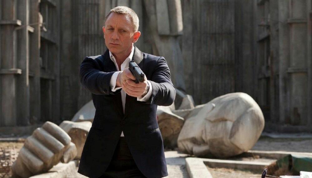 <b>NY SJEF: </b>Daniel Craig skal spille James Bond nok en gang. Nå har filmprodusentene annonsert hvem som skal regissere filmen.