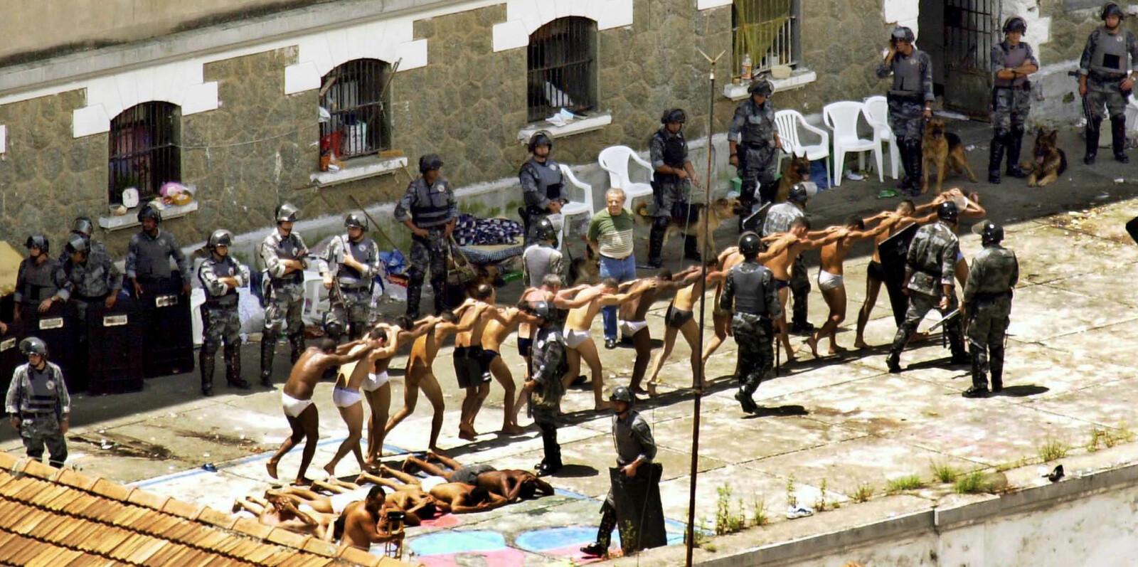 <b>VERDENS VERSTE FENGSLER</b>: Soningsforholdene i utenlandske fengsler kan være forferdelige. Her et bilde fra den nå stengte fengselet Casa Detenção Carandiru i Brasil.