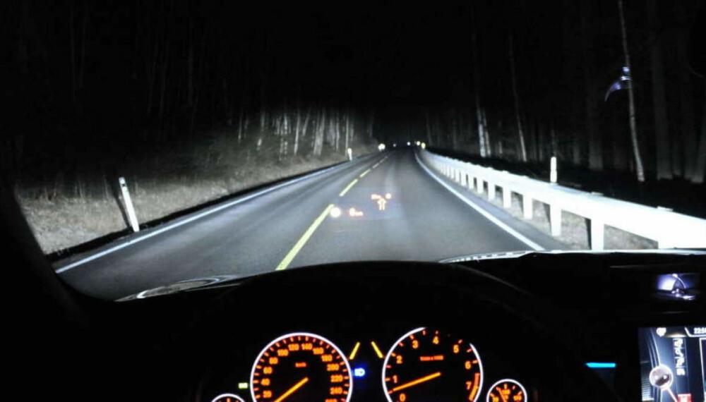 <b>NYE REGLER: </b>Godt lys er viktig både for sikkerheten og trivselen bak rattet. Nå blir dagens regelverk for ekstralys betydelig oppmyket.