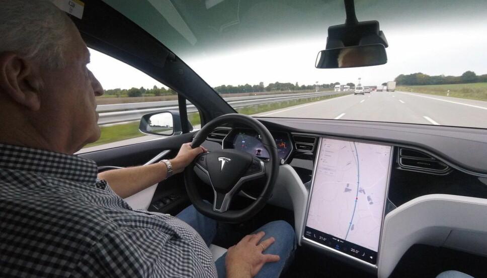 <b>GOD BIL: </b>Model X er en flott bil å kjøre langt med - bortsett fra mange og lange ladepauser.