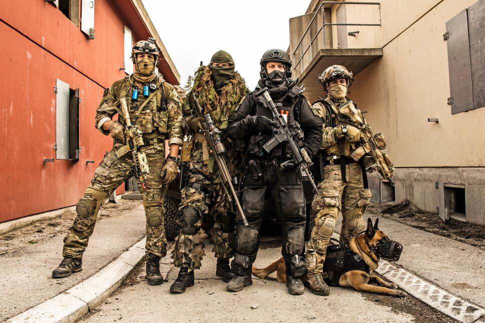 <b>NORSKE ELITESOLDATER: </b>Forsvarets spesialkommando, Marinejeger-kommandoen og Beredskaps-troppen trener på kontraterror i Rena leir, som en oppkjøring til øvelse Gemini  i 2014