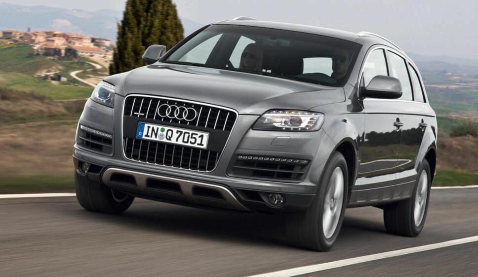 """Q7 fikk en facelift i 2010 – som blant annet sørget for et mer moderne """"ansikt"""" og nye motorer."""