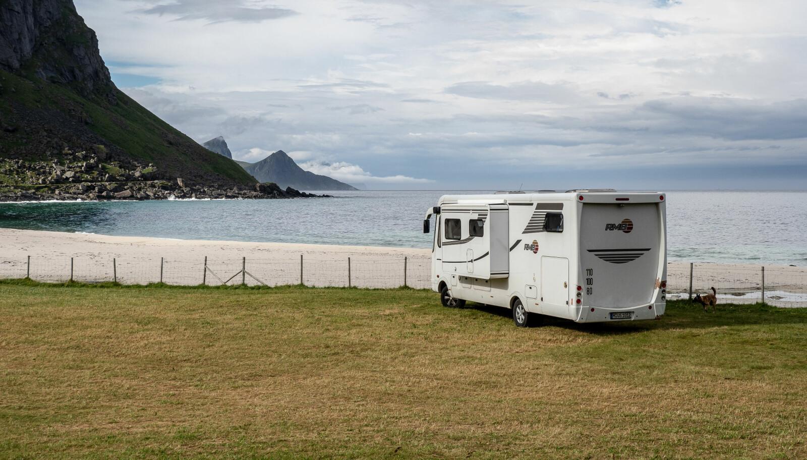 RELATIVT KLIMAVENNLIG: Bedre med bobil i Lofoten enn chartertur til Syden.