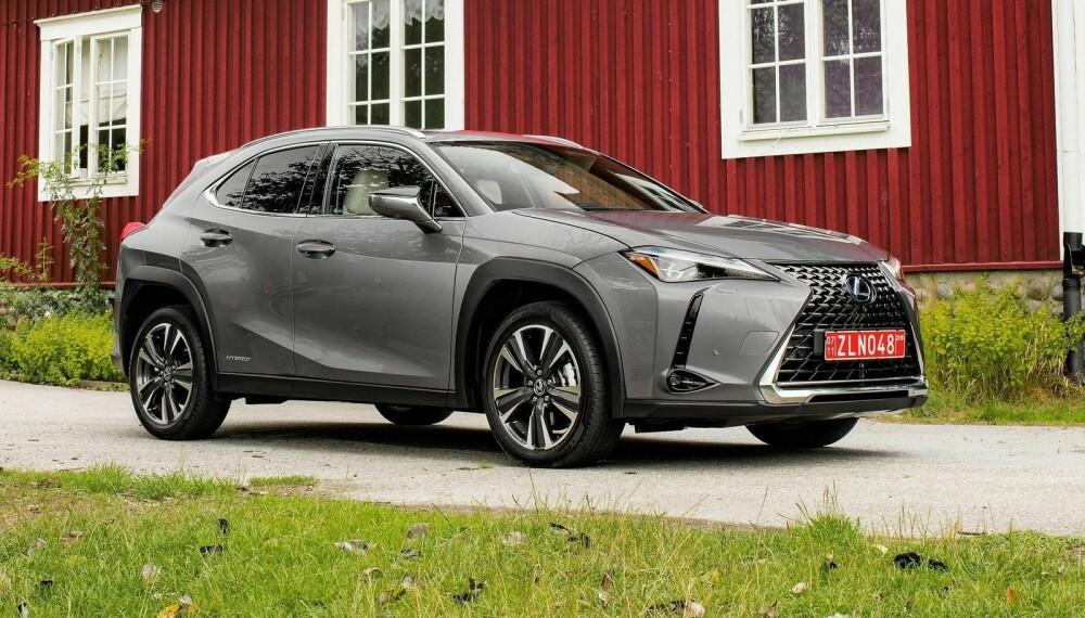 Lexus er ikke redde for å dra på litt, når det kommer til design. Det setter mange av kundene pris på.
