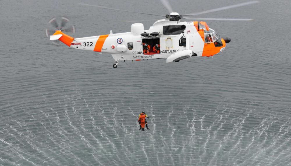 FORGJENGEREN: Norge har kjøpt inn 16 maskiner som skal erstatte dagens Sea King.  AW101 vil løfte mye mer, fly mye lengre og mye raskere enn den gamle og trofaste sliteren.