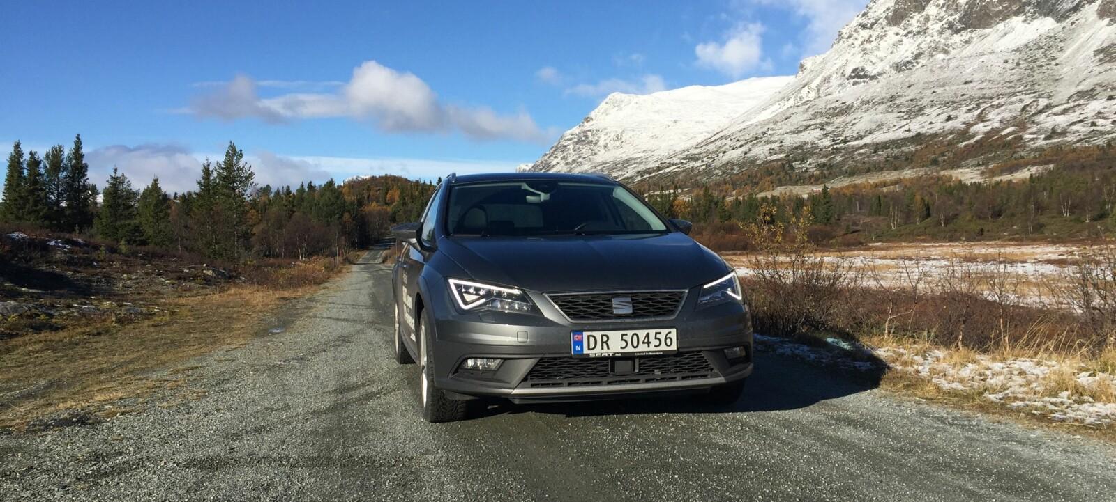 X-PERIENCE: Vi har prøvekjørt Seat Leon X-perience. Det er en utmerket bil for norske forhold, men mangler rette drivlinjer og føles noe aldrende.