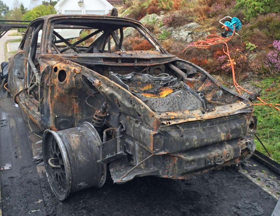 Dette var alt som stod igjen av drømmebilen som Vidar hadde vunnet Gatebil Extreme-serien med tre år på rad.