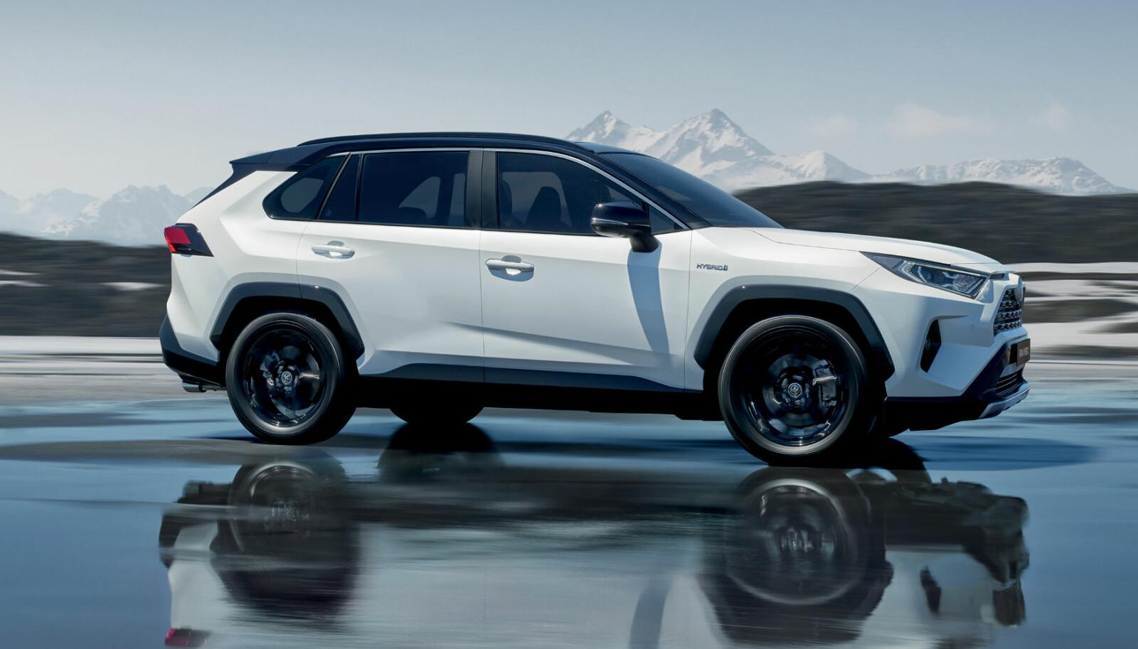 4WD: Versjonene med firehjulstrekk er ventet i april.