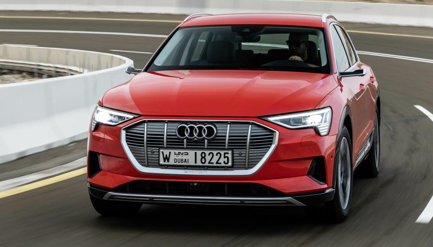 RASKERE: Audi jobber med en kraftigere versjon av Audi e-tron 55.