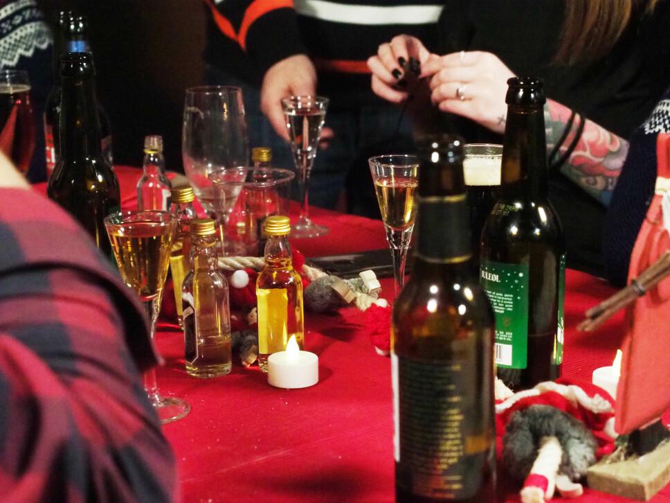 <b>ALKOHOL NOK:</b> I snitt konsumerte våre testere om lag 7–8 øl og 5–6 akevitt hver. Ikke alle nøyde seg med det.