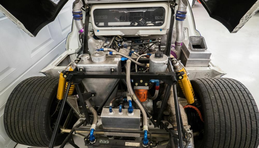 <b>MIDTPLASSERT</b>: Motoren i RS200 er plassert bak ryggen til cockpiten, og bidrar til en perfekt balanse.