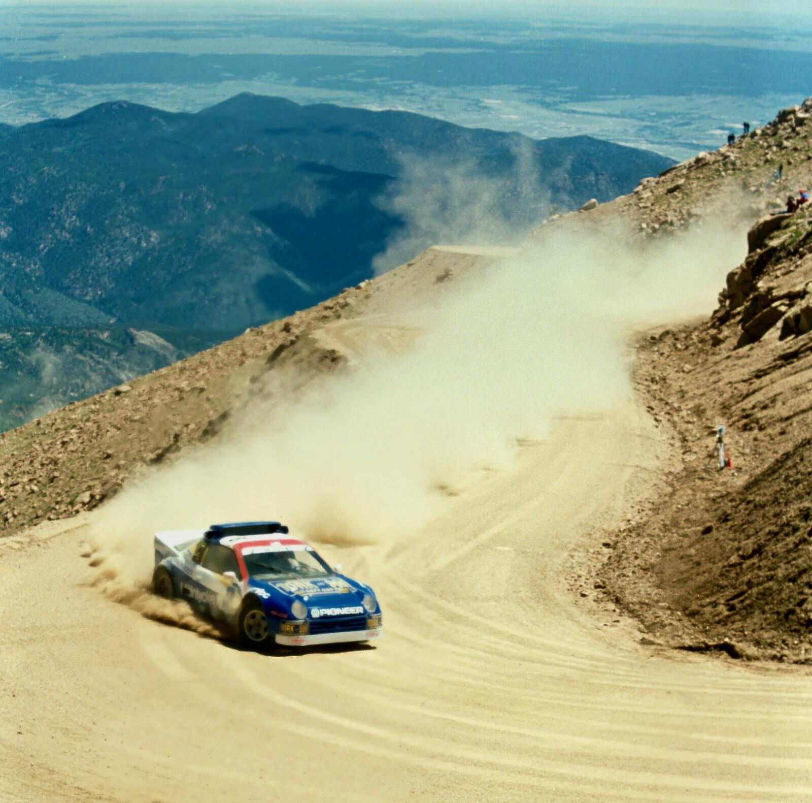 <b>PIKES PEAK:</b> Nå avdøde Thor Holm deltok i verdens lengste bakkeløp Pikes Peak i 1991, i en RS200 Evolution.