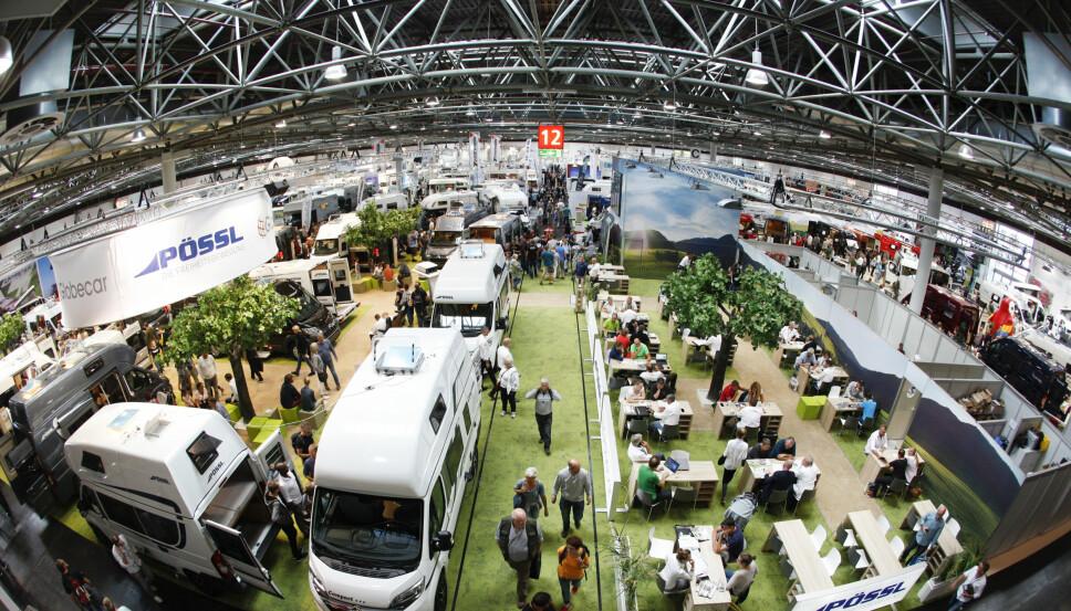 VERDENS STØRSTE: Neste års bobil-nyheter vises frem på verdens største bobilmesse i Düsseldorf hver høst.