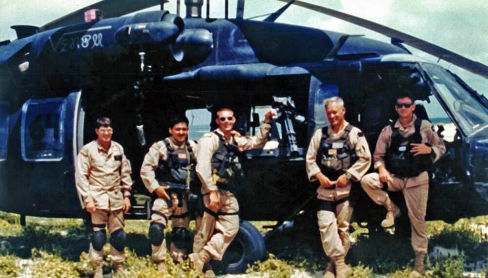 <b>MANNSKAPET: </b>Fra venstre Winn Mahuron (mekaniker, ikke med på oppdraget), Tommy Field, Bill Cleveland, Ray Frank og Mike Durant (helt til høyre).
