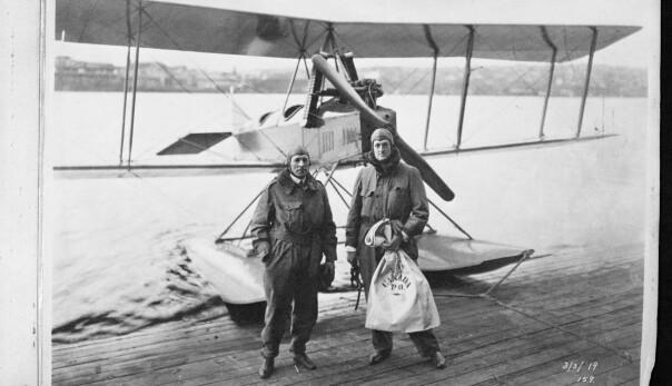 POSTFLY: Model C var Boeings første egendesignede fly, lansert 3. mars 1919. Bill Boeing og piloten Eddie Hubbard gjorde den første internasjonale flyvningen, fra Vancouver i Canada til Seattle.