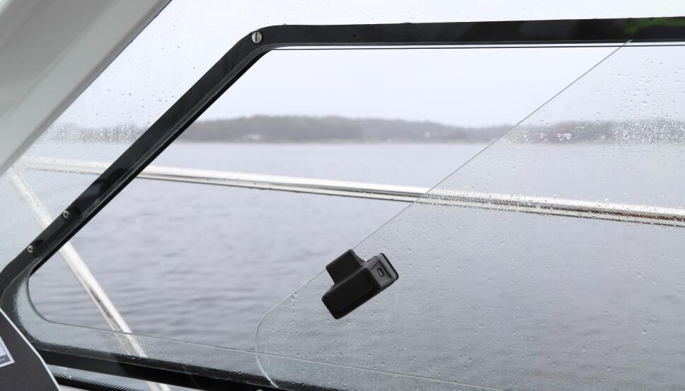 <b>LUFTING: </b>Enkle skyvevinduer i siden sørger sammen med en takluke for frisk luft.