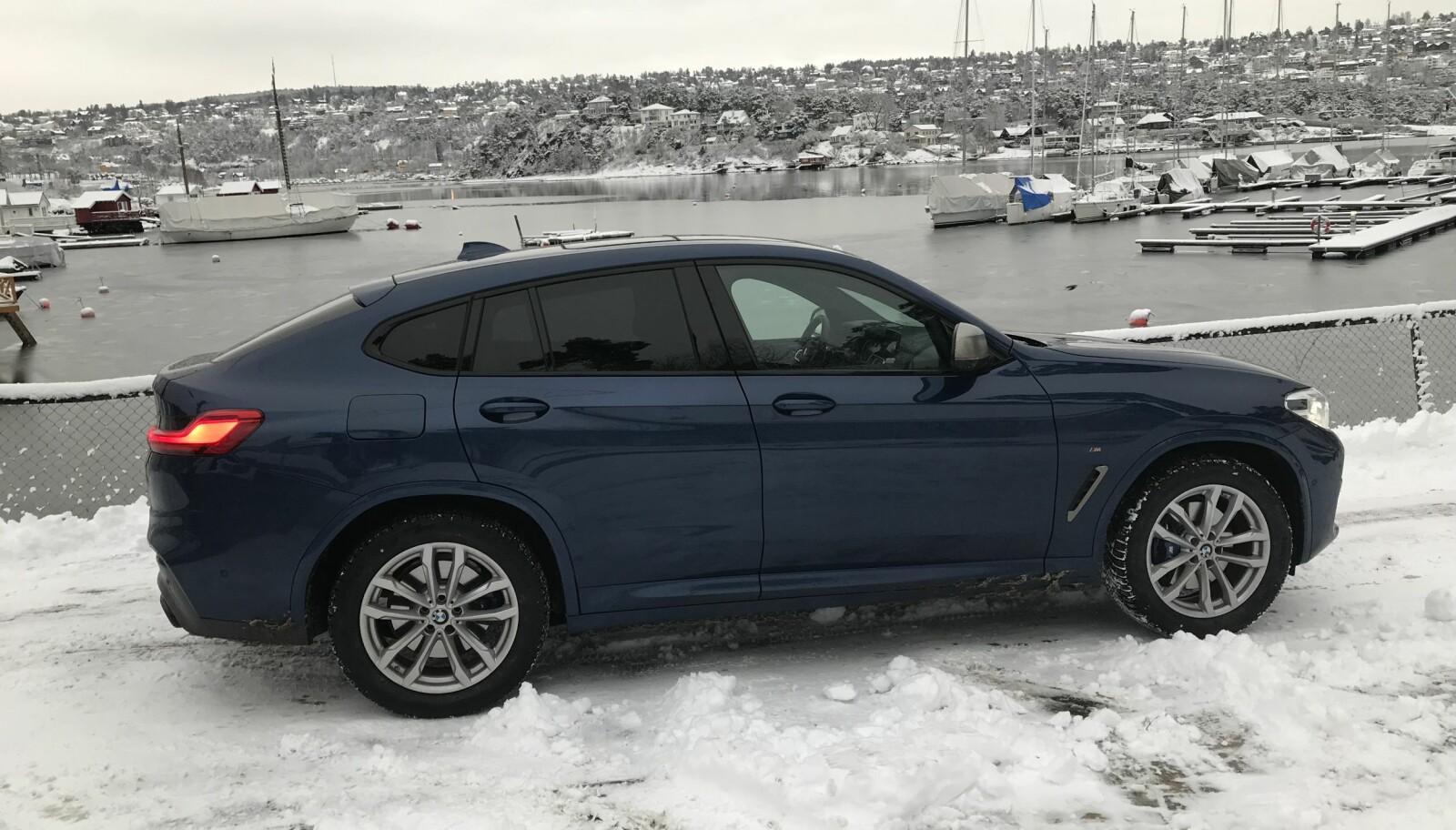 <b>4X4:</b> xDrive-firehjulstrekk gjør X4 til en fenomenal vinterbil. I god BMW-tradisjon er firehjulstrekket bakhjulsvektet.