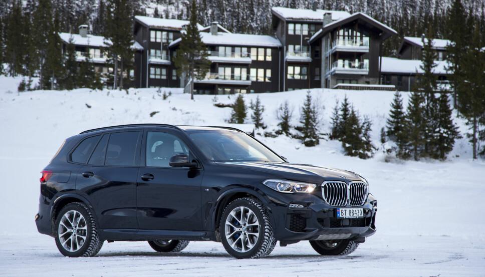 HYTTERACER: Nye BMW X5 blir nok å se i et hyttefelt nær deg.