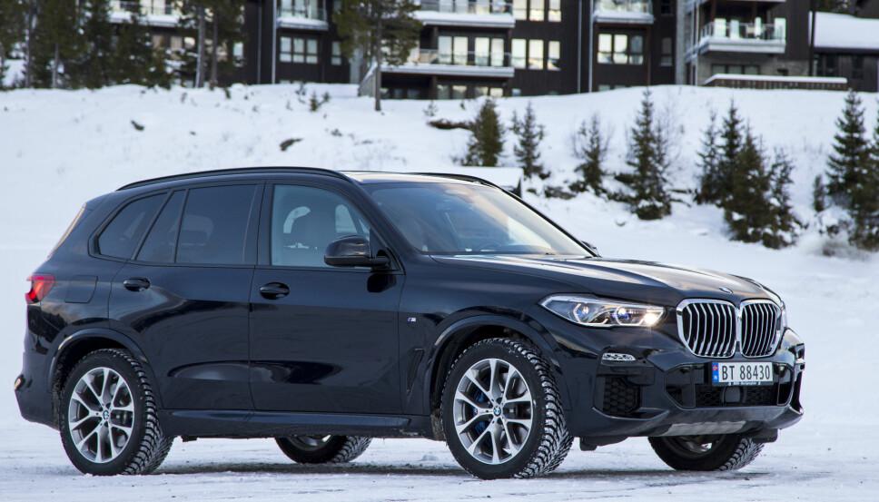 <b>BMW: </b>BMW X5 sees ofte som uniformert patruljebil. Her er en vanlig utgave som ble testet for SIDE3 av Vi Menn Bil tidligere i år.