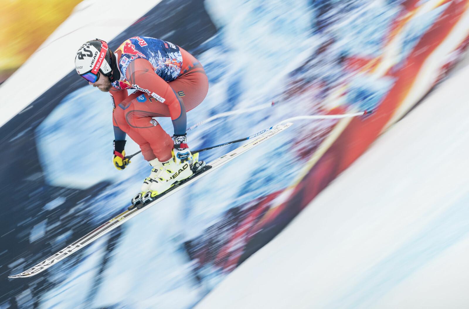 <b>VUNNET:</b> Kjetil Jansrud vant utfor i Kitzbühel (kort løype) i 2015. I år blir det ikke noe Hahnenkamm-renn på Jansrud som brakk to fingre under tirsdagens utfortrening i Kitzbühel.
