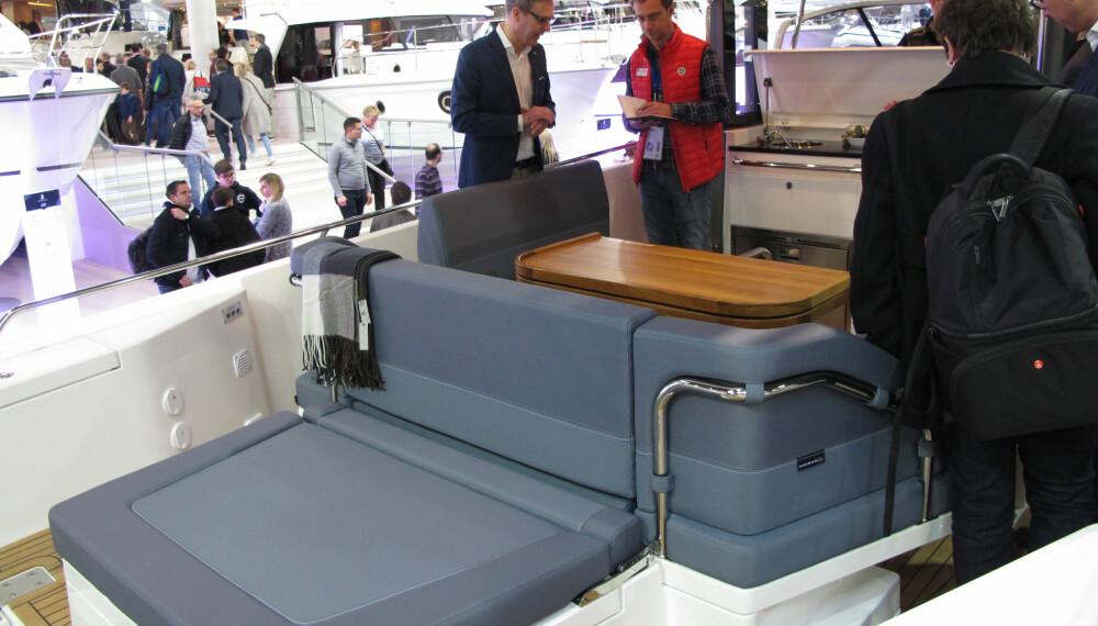 <b>GOD PLASS:</b> Nimbus T11 har plass til 12 og soveplass til 4.