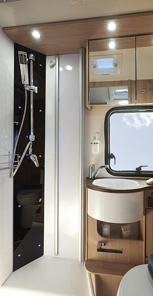 TODELT: Toalett/bad og separat dusj.