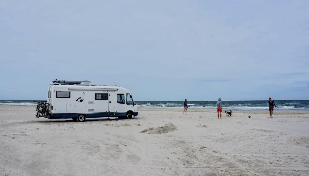 <b>FRIHET:</b> Med bobil kjører du (nesten) hvor du vil, når du vil. Til en strand i Danmark, for eksempel.