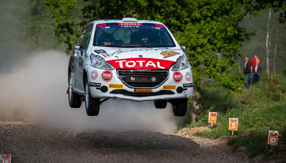 Oliver Solberg kjører det latviske mesterskapet i rally.