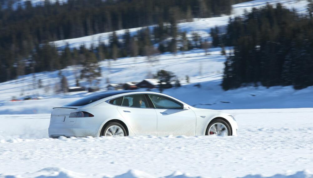 <b>VINTEREGENSKAPER:</b> Mange har behov for å vite at elbilen takler tøff norsk vinter.