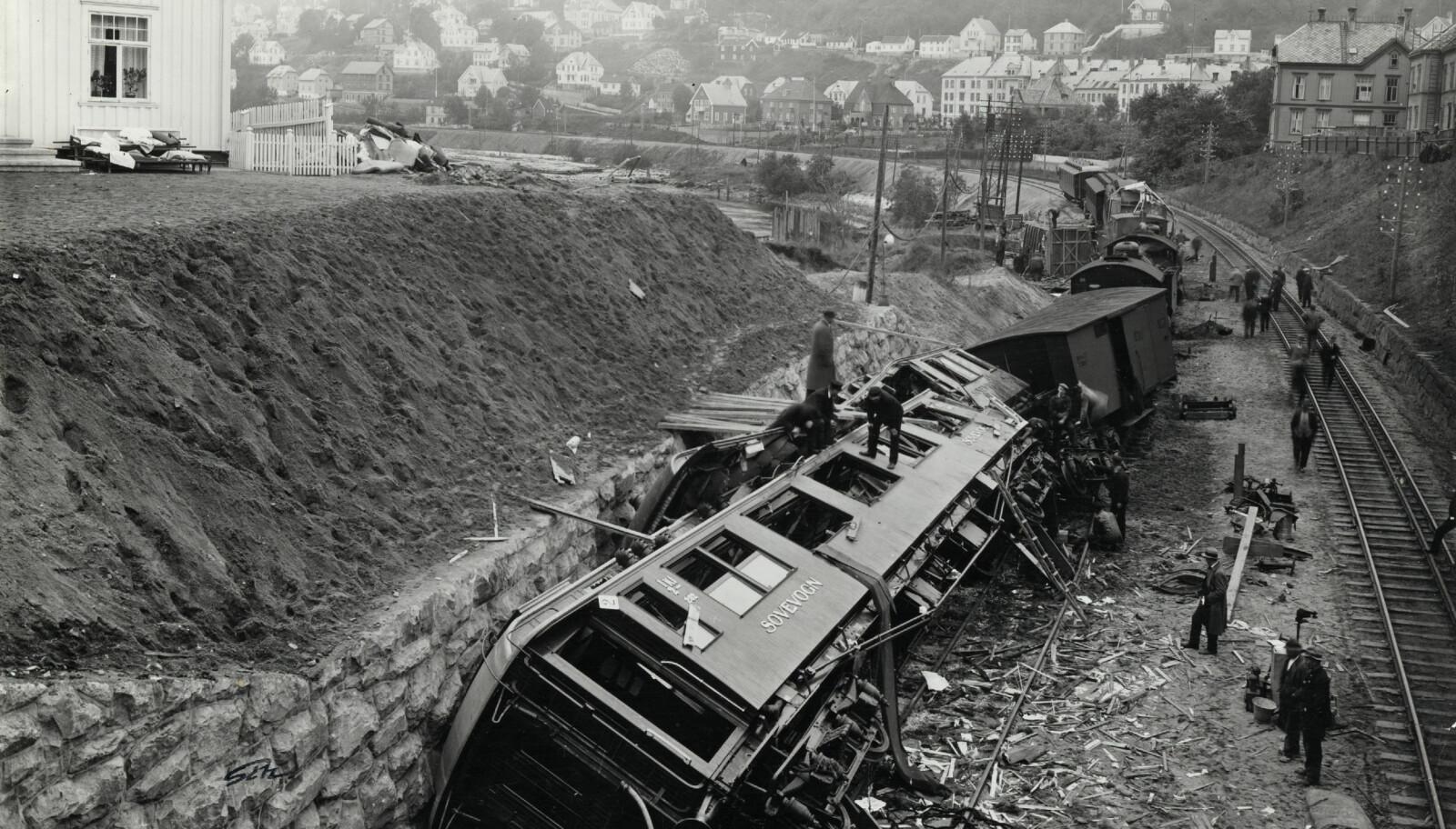 <b>TRAGEDIEN:</b> I dette togsettet døde seks av de prominente gjestene etter åpningen av Dovrebanen i 1921.