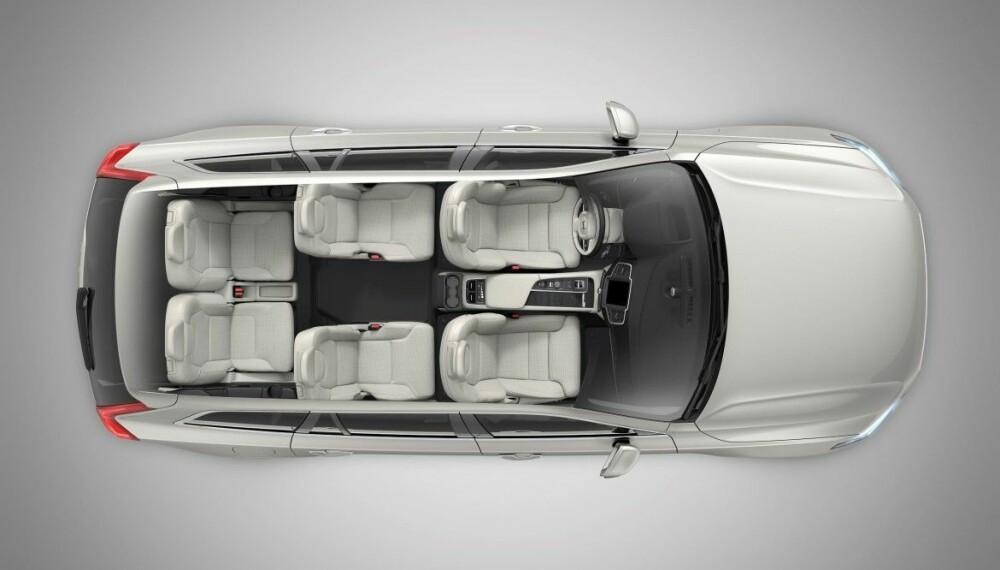<b>INTERIØR I NYE XC90:</b> Nå kan du få XC90 som fire- seks- og sjuseter. I det midterste alternativet har passasjerene i andre seterad svært god plass.