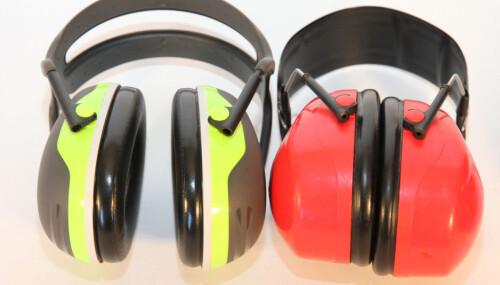 <b>OBLIGATORISK:</b> Et par gode hørselvern er obligatorisk for alle jegere.