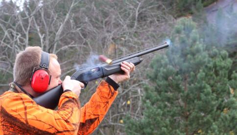 <b>HØYE LYDER: </b>Øret nærmest geværet er mest utsatt. Husk at refleksjoner fra stein eller betongvegger kan forsterke lyden.