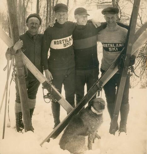 <b>BARSKINGER: </b>Hovelsen, (t.v), har fått besøk i Steamboat Springs av de dyktige Haugen-brødrene fra Wisconsin, i Midtvesten.