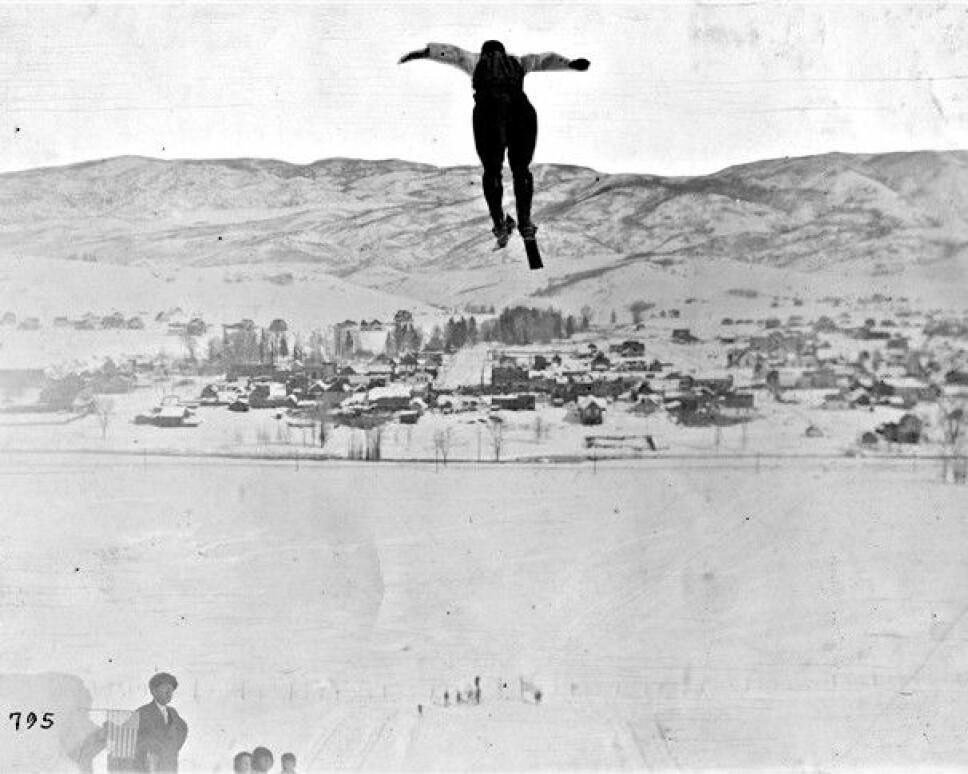 <b>SOM FUGLEN:</b> Ingen kunne fly på ski som Karl Hovelsen.  Da han dro vestover til Denver og Colorado, viste han skikunster folk aldri hadde sett maken til.