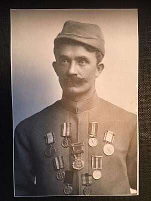 <b>DEKORERT:</b> Hovelsen er en  av de største skiløperne Norge har fostret. Han vant Holmenkoll- medaljen i gull i 1903, før han emigrerte til Amerika.