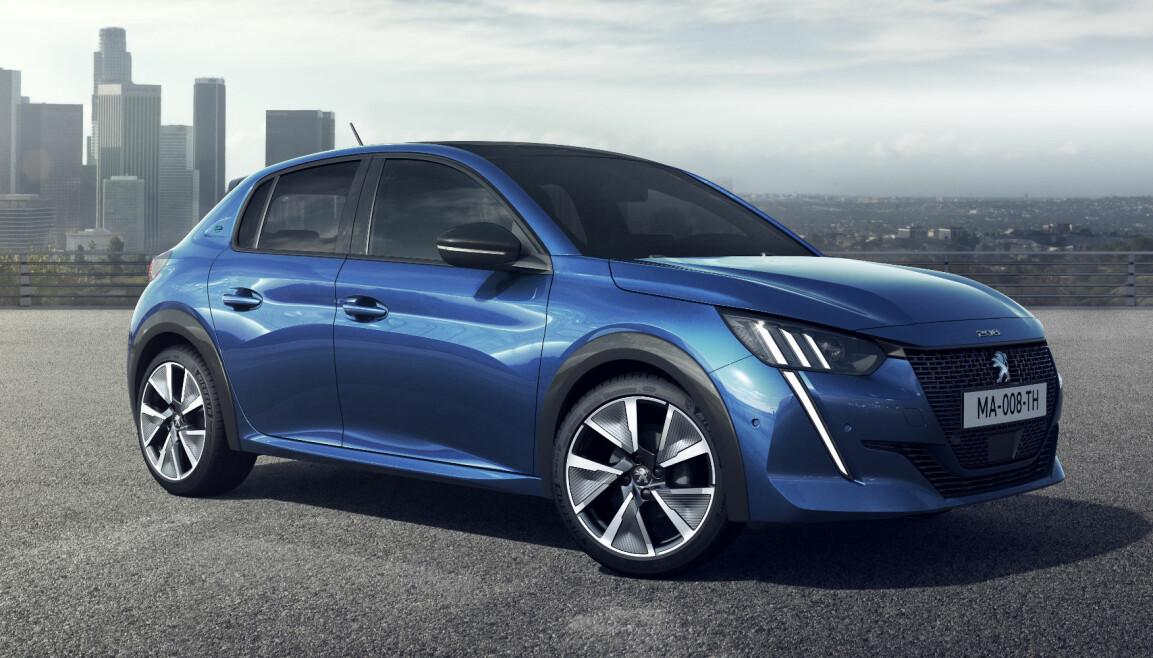 <b>LITEN, MEN TØFF:</b> Den nye elbilen Peugeot e-208 buler på alle de riktige stedene.