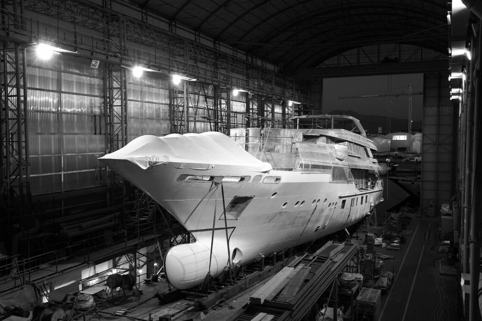 <b>BLAKE:</b> Den tredje i rekken av semicustom-yacht i 50-meters klassen. Ikke akkurat serieproduksjon, selv om den tekniske basisen er lik for alle.