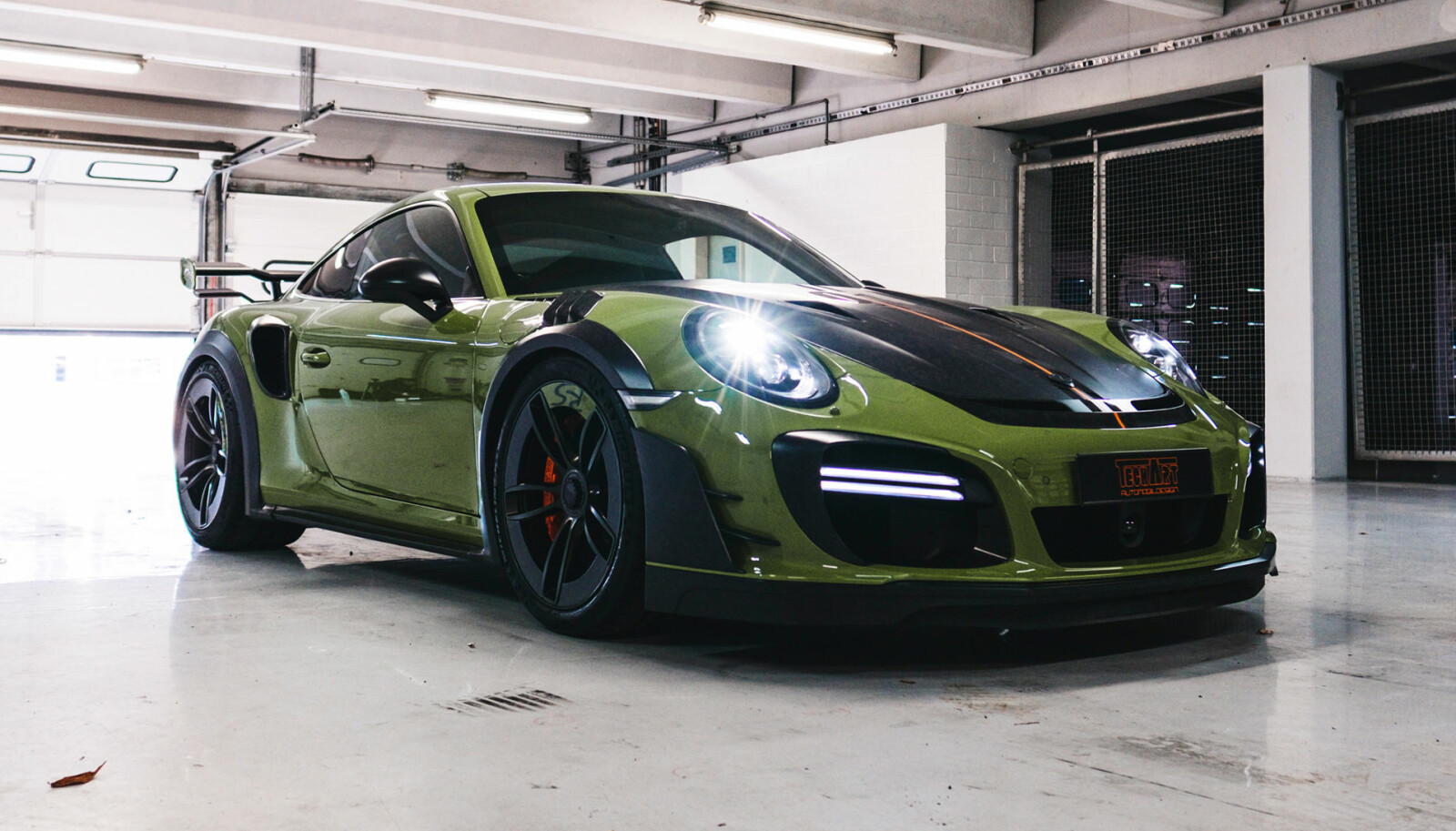 <b>TUNING:</b> Techart GT Street RS.