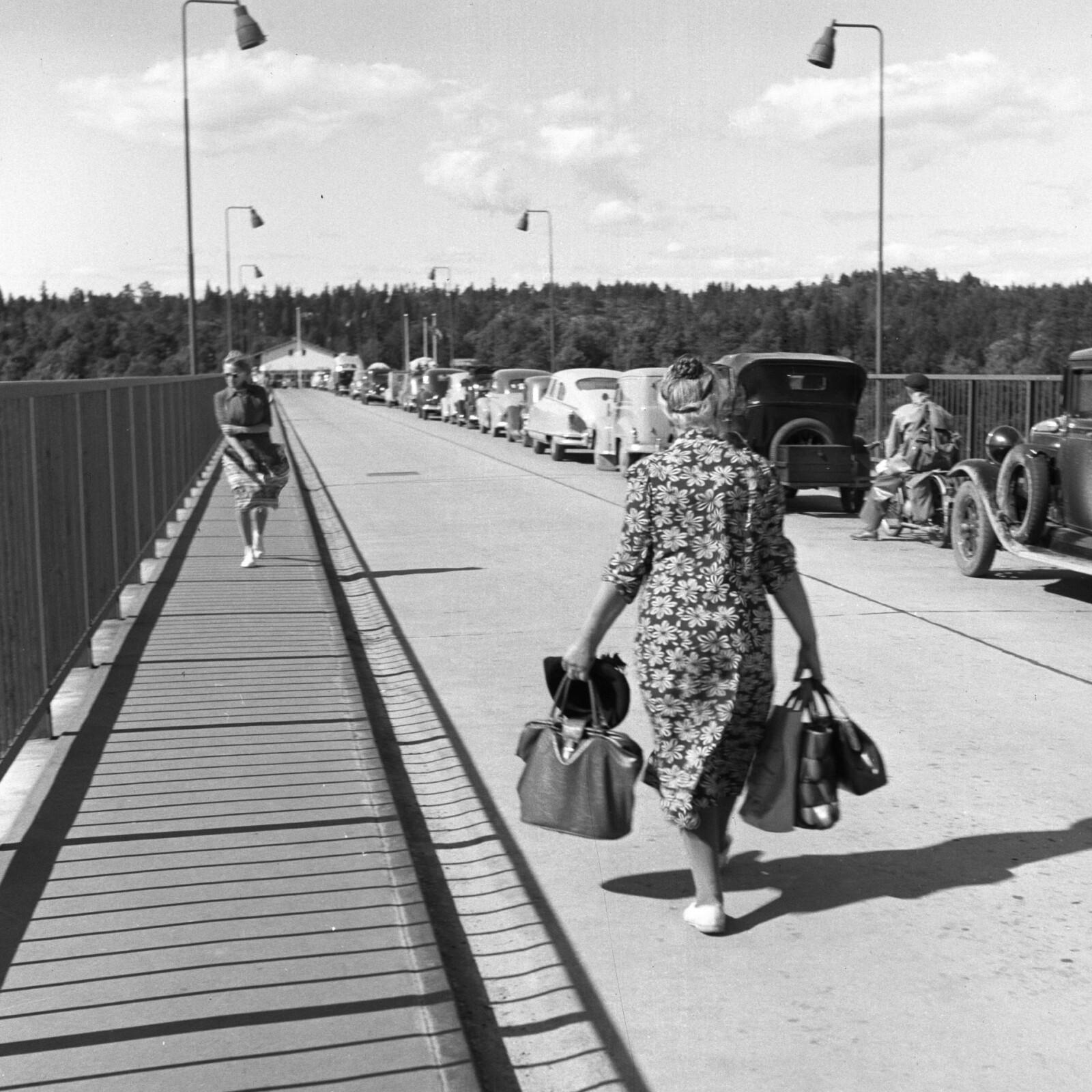 <b>HARRYHANDEL: </b>Etter krigen lokket det med handletur til Sverige.