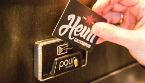 <b>RFID:</b> Kortet som aktiverer en tappekran kjøpes i baren. Du velger selv beløp, men kortet må aktiveres på nytt etter tre timer.