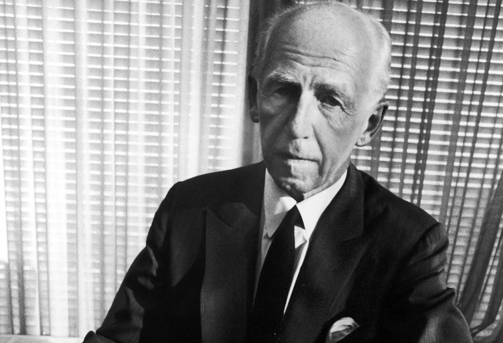 <b>URMANNEN:</b> Den mediesky bergenseren Joakim Lehmkuhl (1895-1984) solgte en halv milliard Timex-ur. Dette er et av få bilder som finnes av han. Foto: Getty Images