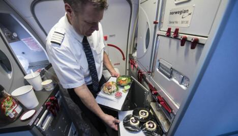 SELVBETJENING: Med tre personer om bord blir det selvbetjening av mat og kaffe.