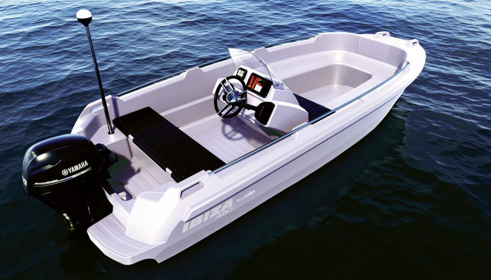 <b>OPPSTART:</b> Den nye Ibiza 450 skal være en hyggelig nybegynnerbåt eller enkel landstedsbåt.