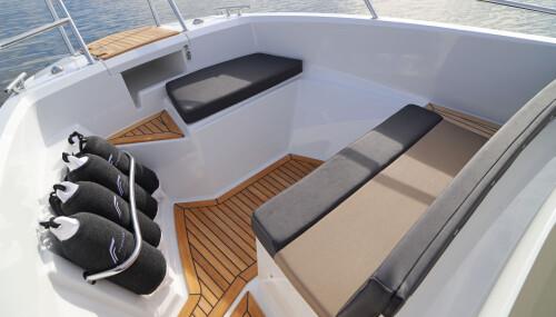 <b>FINNMASTER S6:</b> Behagelig sofa og mange smarte løsninger i baugen