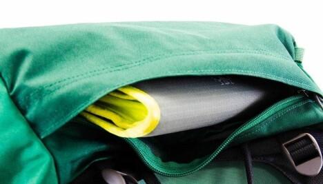 <b>TOPPLOKK:</b> Osprey Rook/Renn 50 har et tradisjonelt topplokk med lomme.