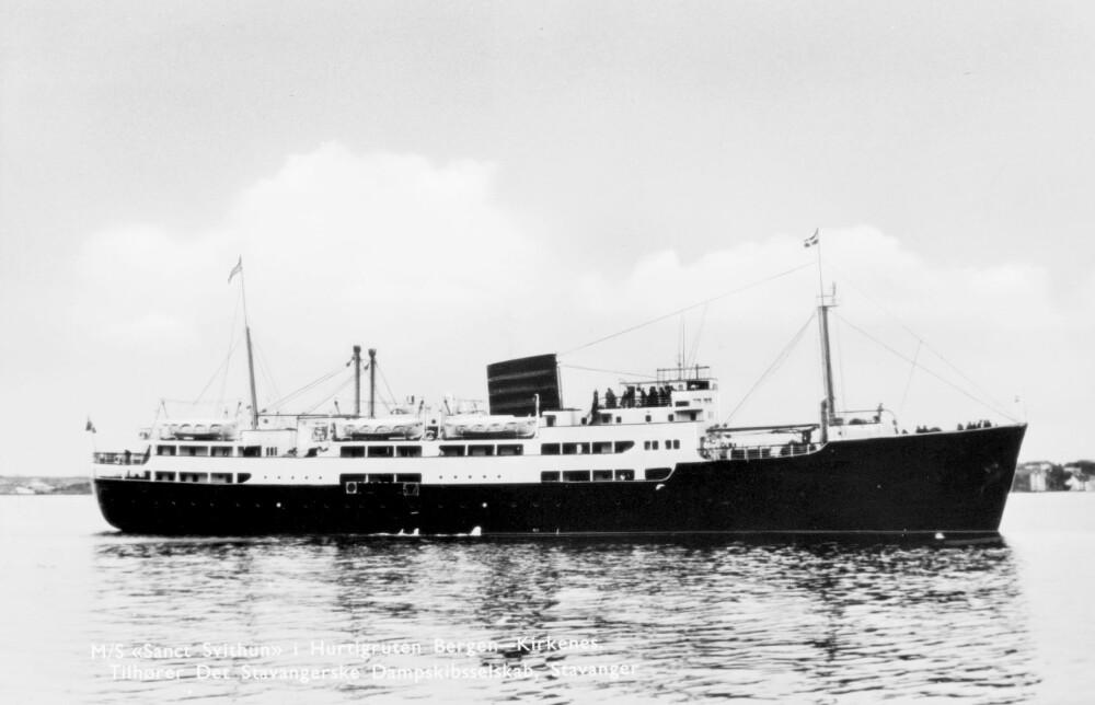 <b>UT AV KURS:</b> Katastrofen dahurtigruteskipet «Sanct Svithun» forliste i 1962 og 41 personer omkom, viser at forholdene langs norskekysten kan være for vanskelige, selv med los på brua.