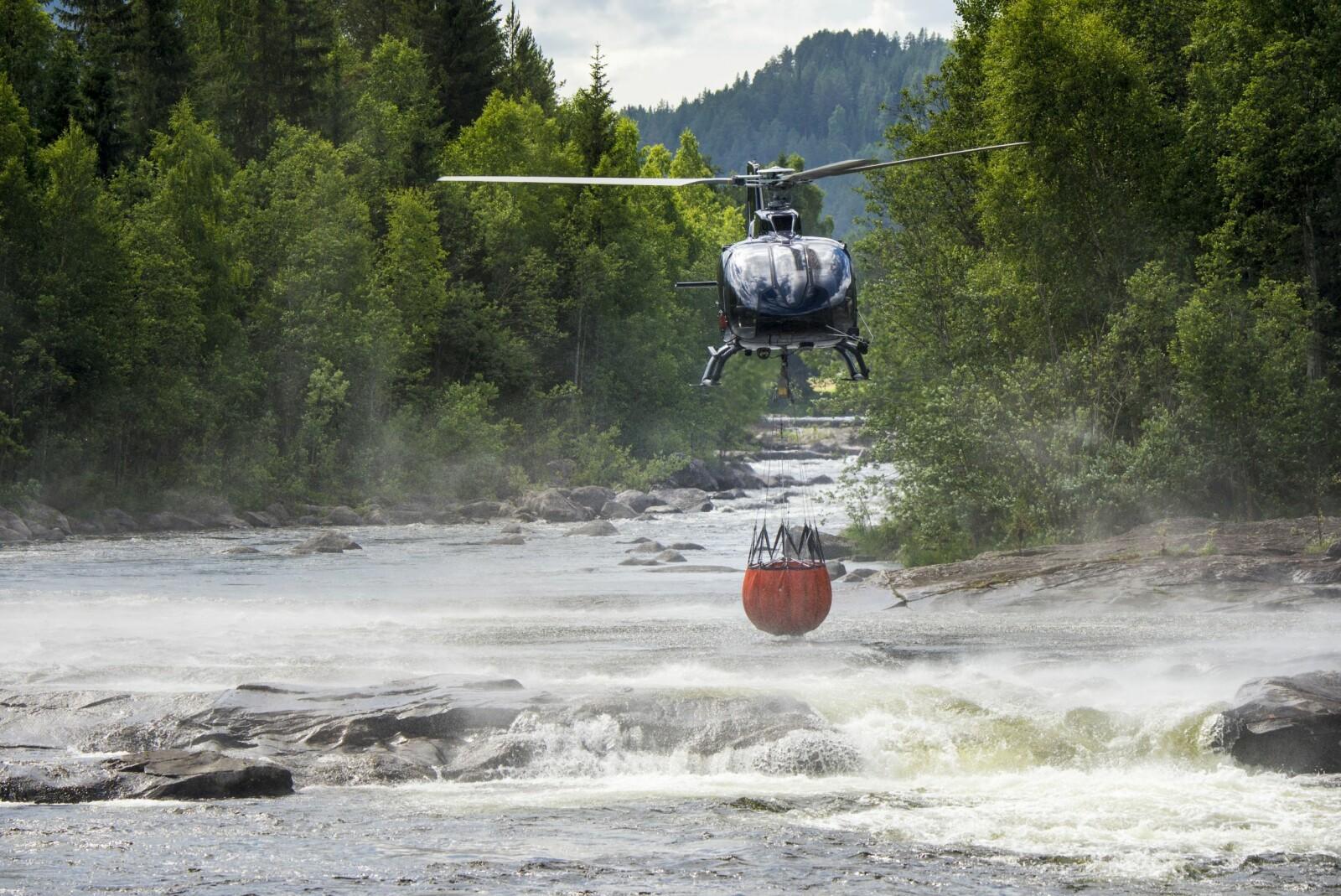 <b>FYLLER I FOSSEN:</b> En dyktig pilot finner vann over alt, et fossestryk er ikke nødvendigvis noen hindring.