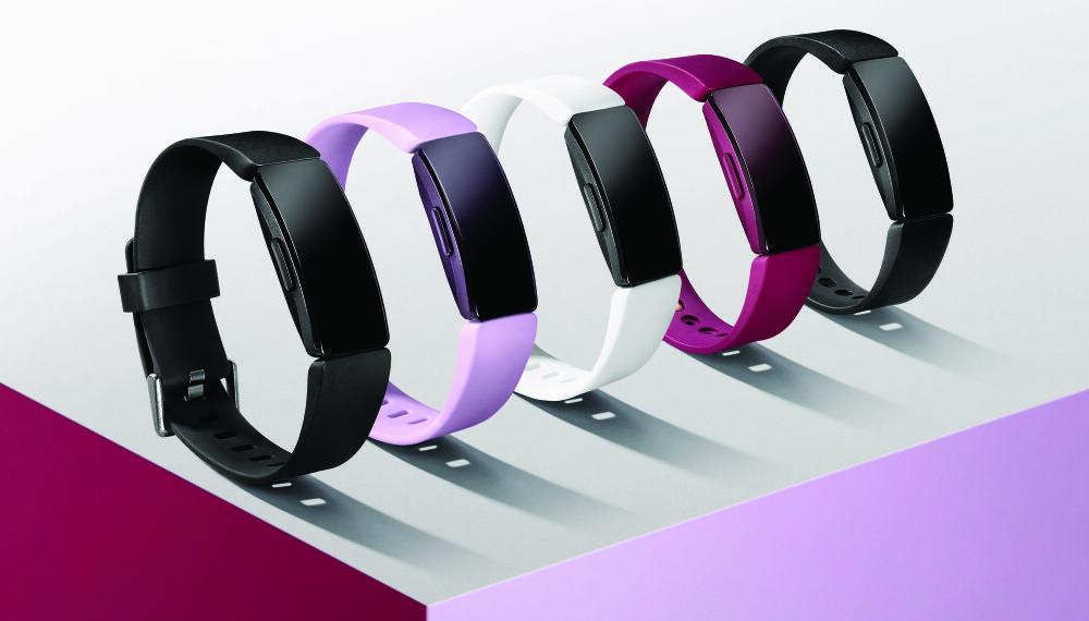 """<b>MOTE:</b> Fitbit Inspire HR har et arbånd som er lett å skifte. Da kan man selv velge """"dagens farger""""."""