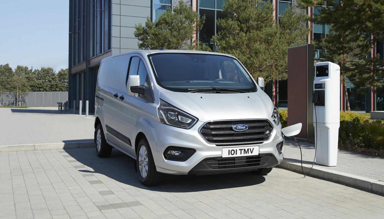 LADBAR VAREBIL: Ford Transit Custom som ladbar hybrid,